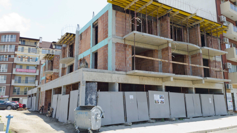 """""""Теоинвест"""" спира строителството на сграда """"Свети Димитър"""", но само за лятото"""